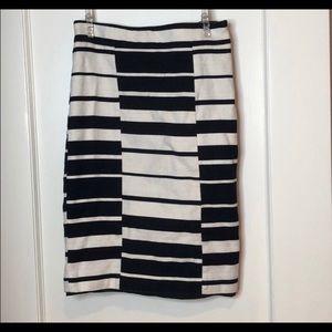Ann Taylor Black & White Striped Pencil Skirt Sz 2
